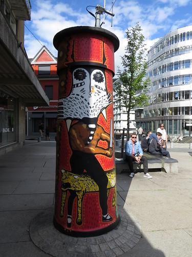 Pillar art