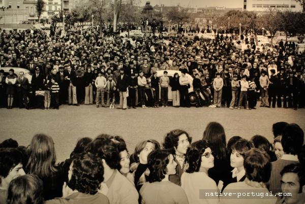 21 - 25 апреля 1974 года - революция гвоздик в Португалии - Каштелу Бранку