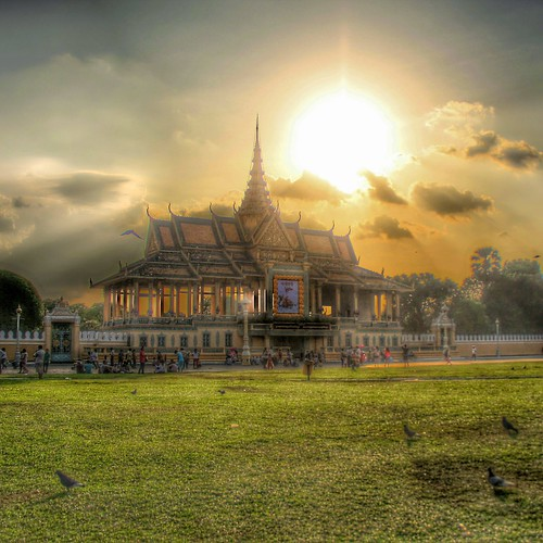 travel sunset cloud green canon soleil high cambodge cambodia dynamic royal palace national contraste palais asie range hdr couleur geographic haute traitement globewhere