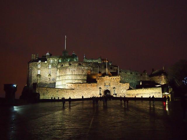 Эдинбургский замок ночью loverme