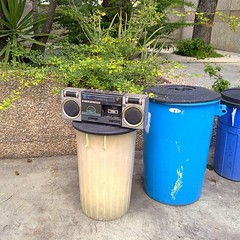 waste containment, waste container,