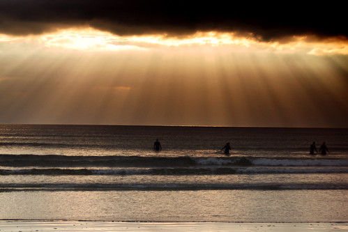 ireland sunset sea seascape beach strand beachlife surfing atlanticocean donegal bundoran theremainsoftheday beamsoflight tullan