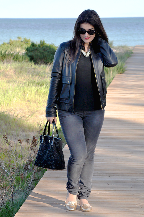something fashion valencia spain españa fashionblogger blog moda, style streetstyle biker jacket chaqueta cuero leather jacket, how to wear sparkly flats VLC spanishbloggers style tips mango zara rayban wayfare
