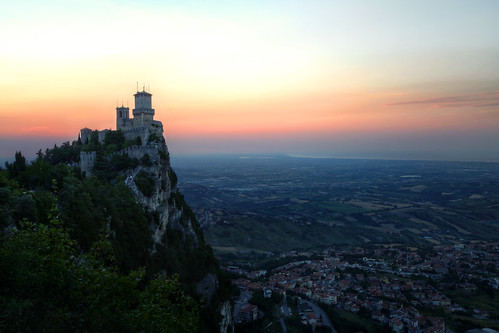 city travel light sunset italy europe sanmarino