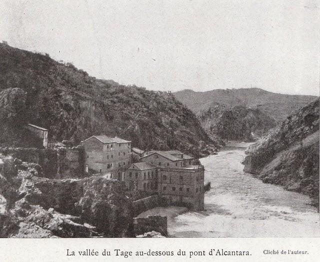 Torno del Tajo desde el Puente de Alcántara a comienzos del siglo XX. Fotografía de Élie Lambert publicada en su libro Les Villes d´Art Célebres: Tolède (1925)