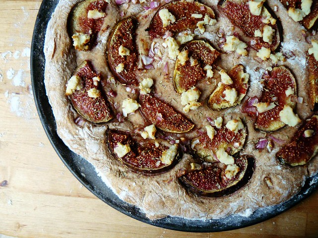 Flatbread with figs