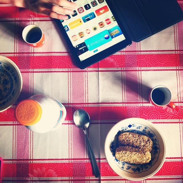 Colazione 2.0 #breakfast #ipad #weetabix #coffee