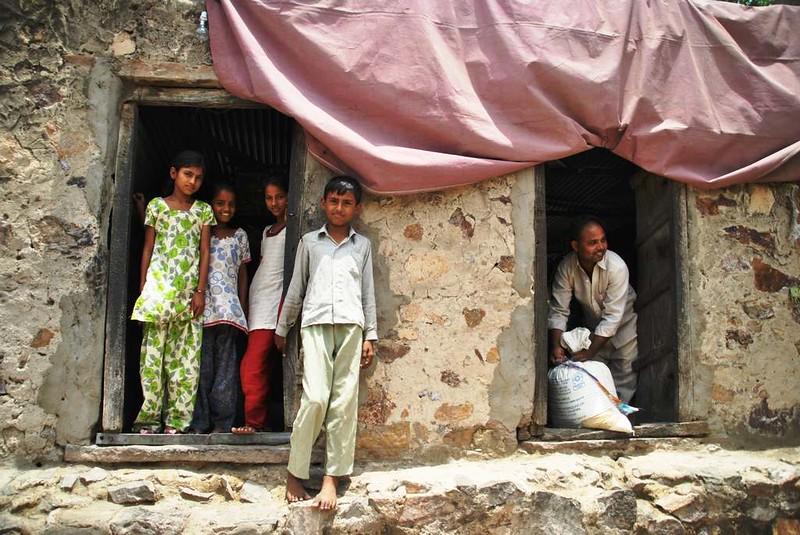 411 way to Merta. Peoples of desert in Rajasthan (9)