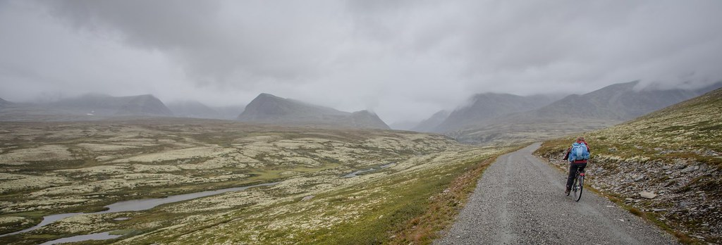 Real nice biking into Rondane NP on a rainy day. Hedmark and Oppland, Norway