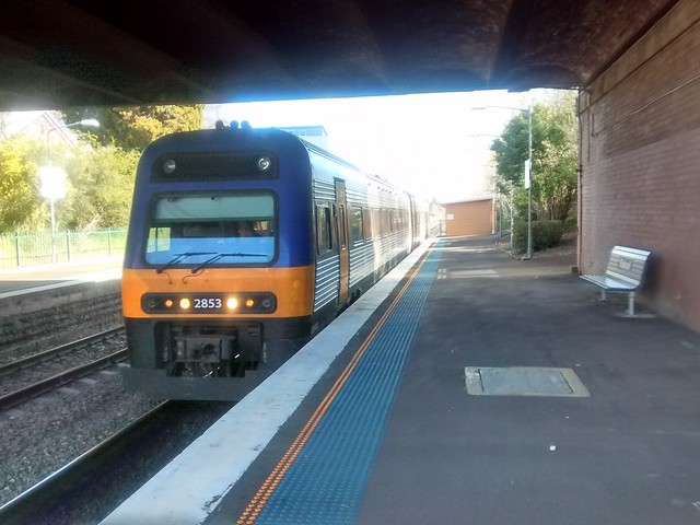 NSW Trainlink Cityrail diesel train at Bowral station
