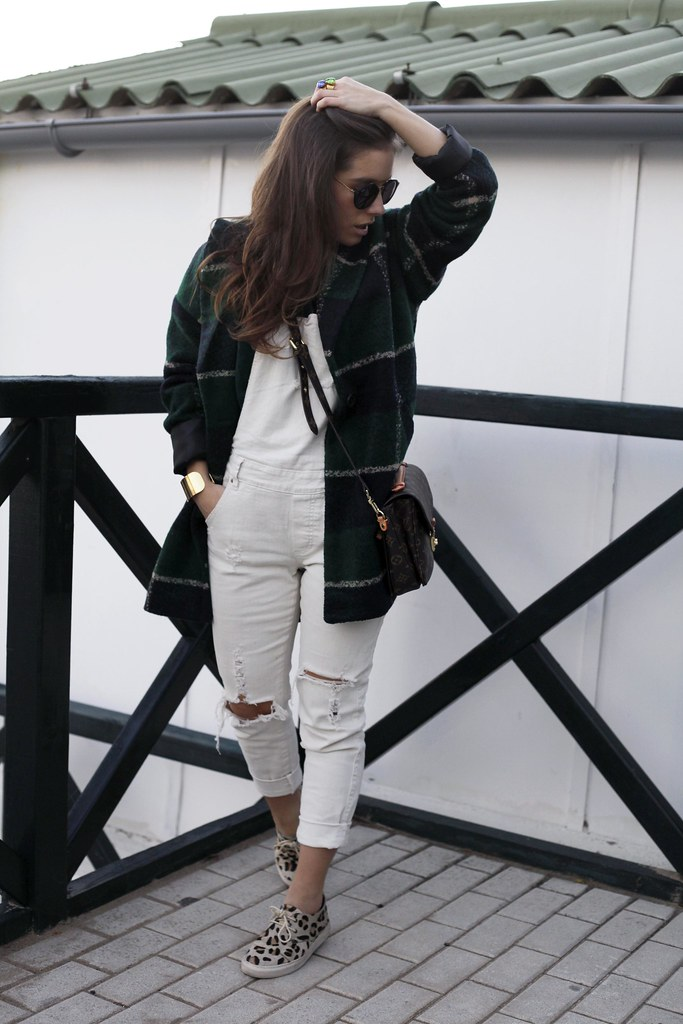 07_Green_tartan_coat_theguestgirl_outfit_laura_santolaria_blogger_barcelona_influencers_inspo_looks_casual