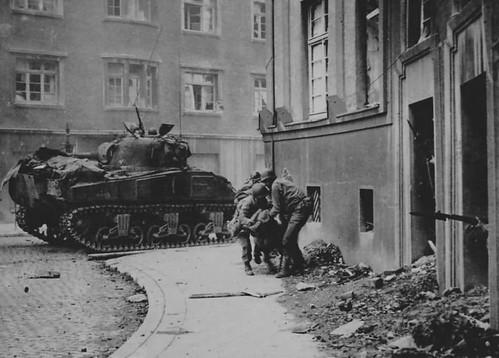 M4_Sherman_tank_Rome_1945