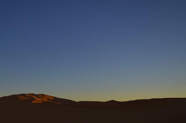 Amanece en el desierto del Sahara