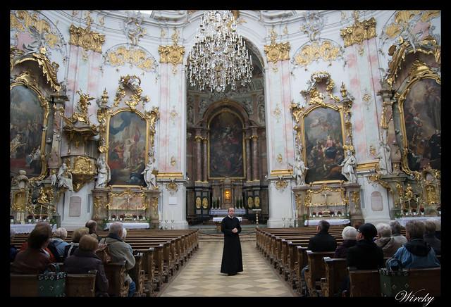 Altar y púlpito