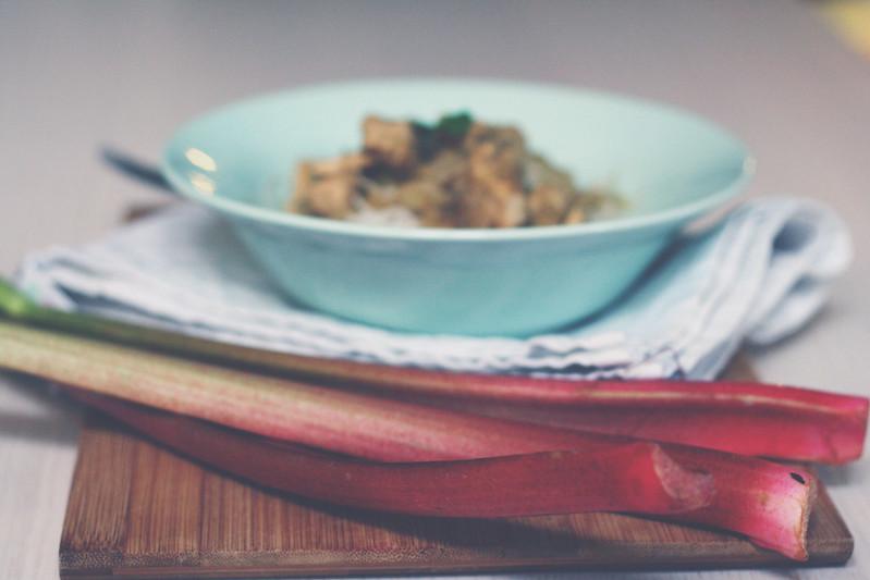 zwergenprinzessin kocht: hühnchen mit rhabarber
