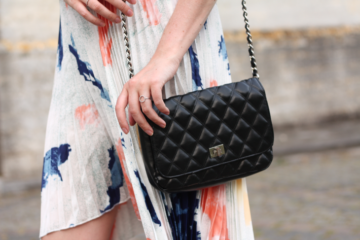 pleated skirt watercolour chain purse