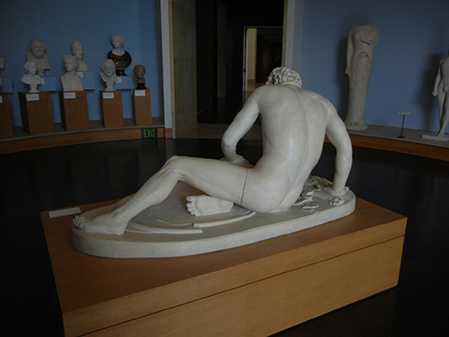 DSCN1378 _ Dying Gaul, late 200s BCE, Epigonos of Pergamon (?), Greco-Roman, 19th cen. reproduction, Blanton Museum