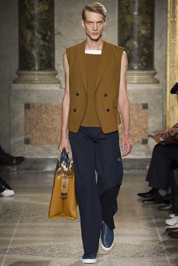 Paul Boche3606_SS15 Milan Ports(VOGUE)