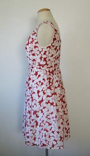redwh dress side