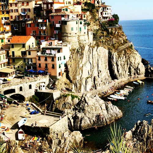 The beatiful town of Manarola