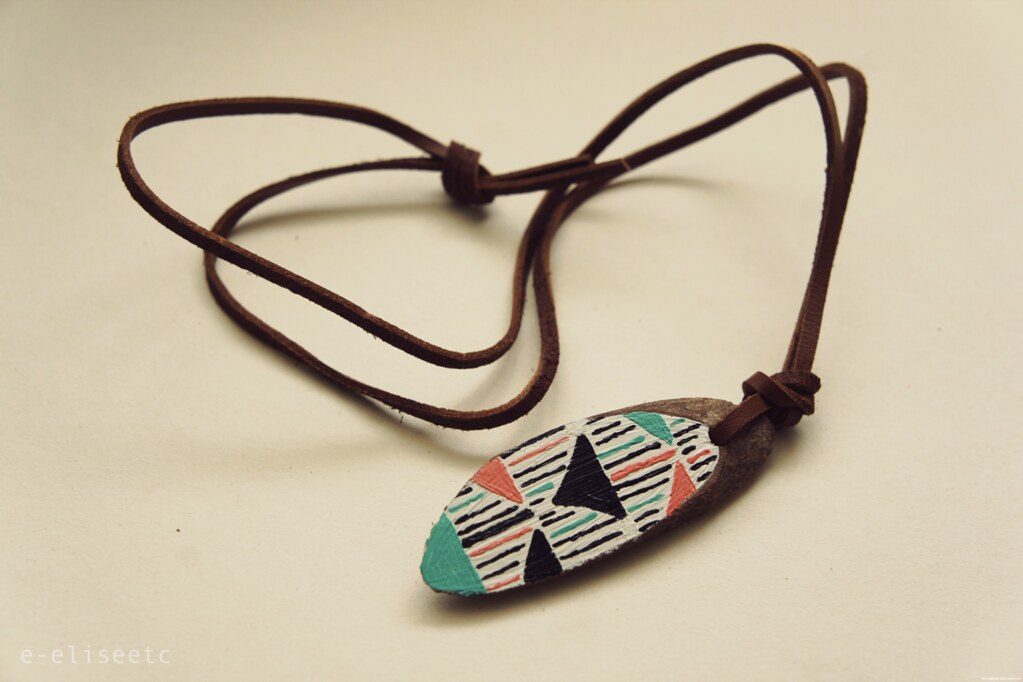 DIY wooden plaque necklace geometric natural crafts jewellery