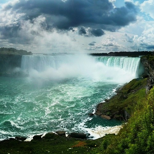A wide shot of Horseshoe Falls from the Canadian side. Maybe this is the last one but I can't guarantee it.