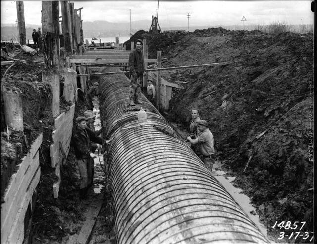Working on building the sewer lines in Seattle - Seattle Municipal Archives.