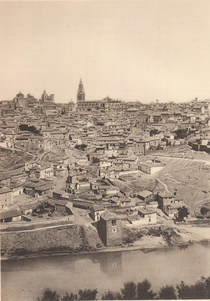 Vista de Toledo a principios del siglo XX. Fotografía de Frédéric Boissonnas publicada en el libro L´Espagne, provinces du Nord, de Tolède a Burgos de Octave Aubry en 1930