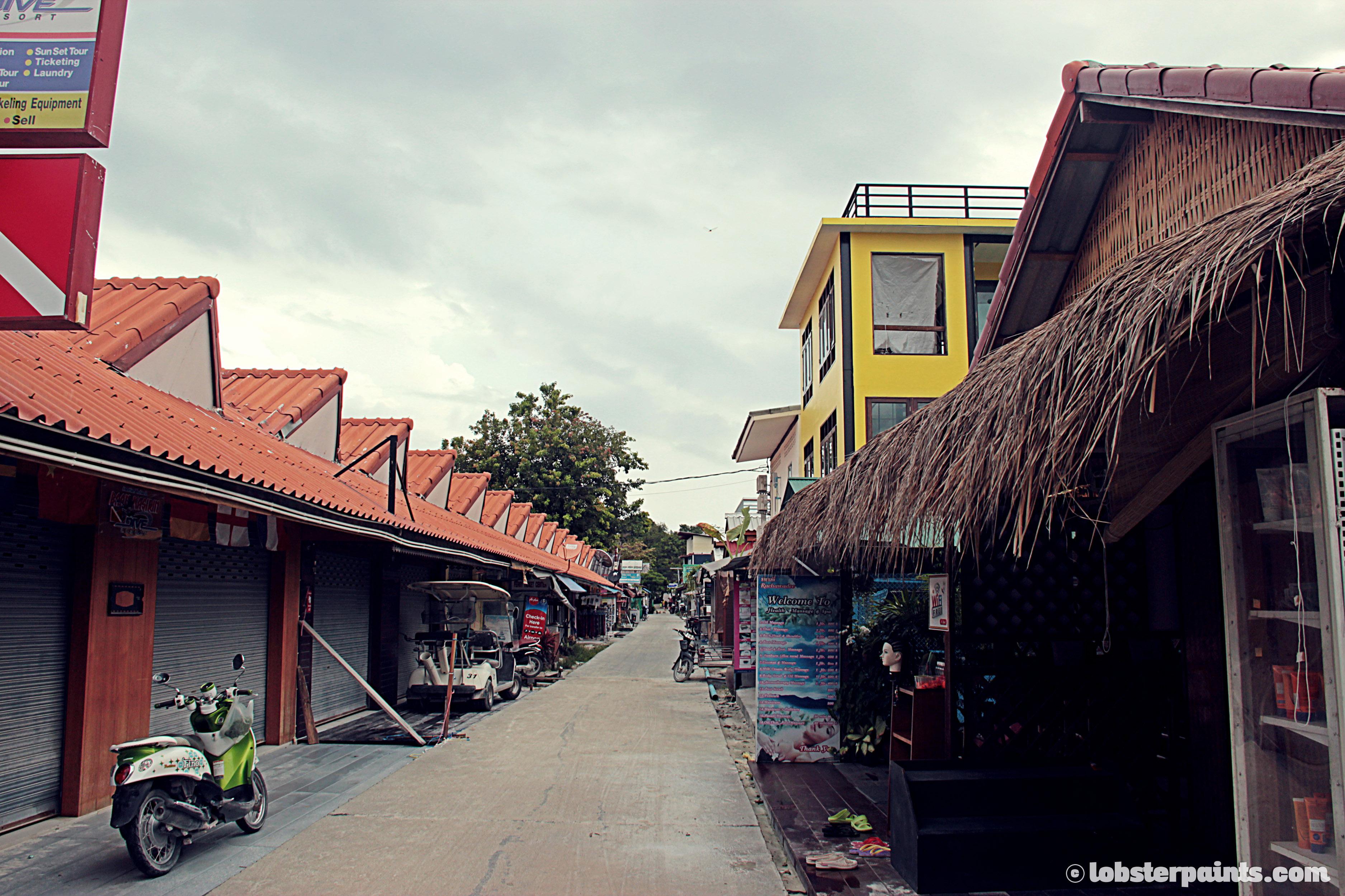 Walking Street | Koh Lipe, Thailand