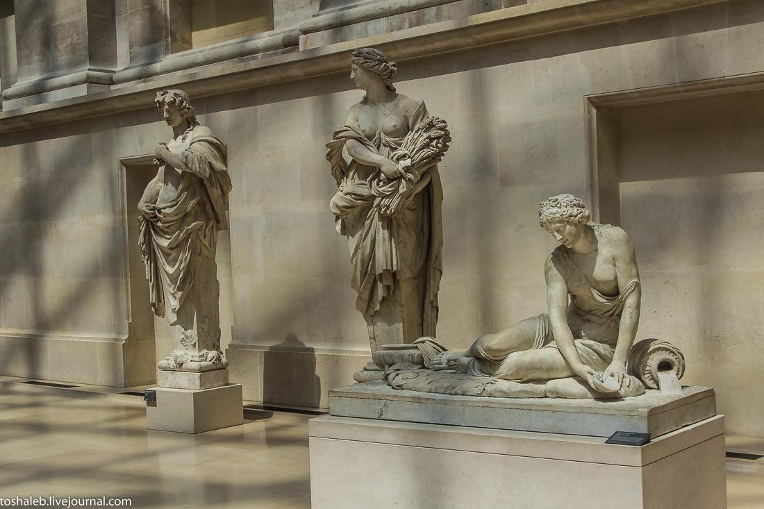 Louvre-85