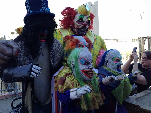The Walking Dead, Clownz 3D maze previews at Halloween Horror Nights 2014