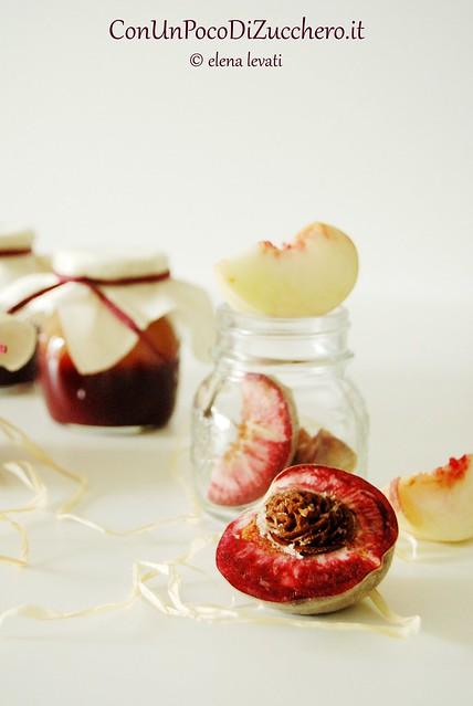 Confettura di pesche rosse e bianche - Peach jam-