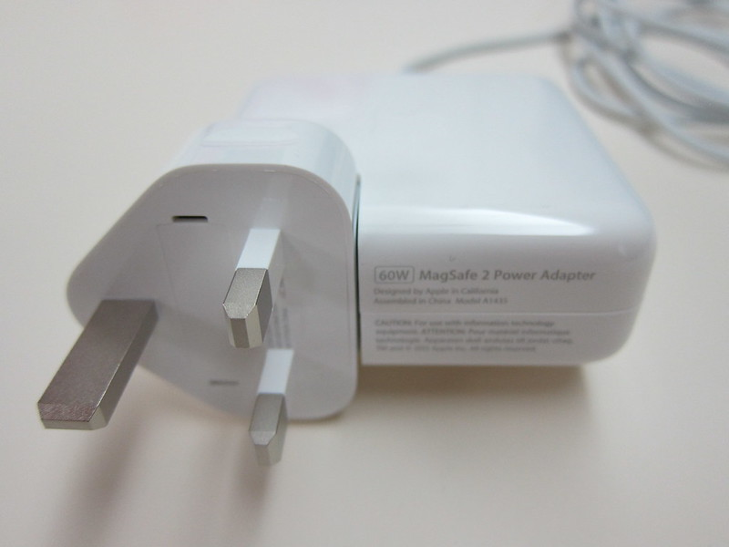 Apple 60W MagSafe 2 Power Adapter - With UK 3-Pin Plug
