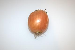 04 - Zutat größere Zwiebel / Ingredient bigger onion