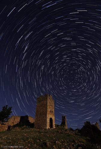 Castillo de Pradas, una noche de junio, bajo las estrellas y la luna...