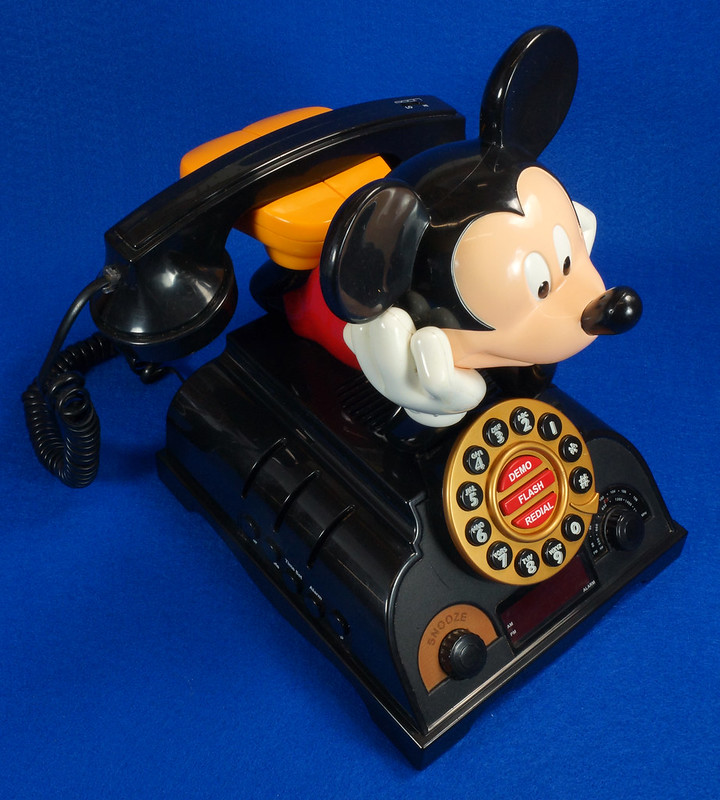 RD14898 Rare Vintage Mickey Mouse Talking Alarm Clock Radio Telephone DSC06894