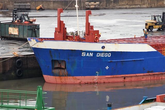 1 DSC07604. General Cargo, Sony SLT-A58, Sony DT 55-200mm F4-5.6 (SAL55200)
