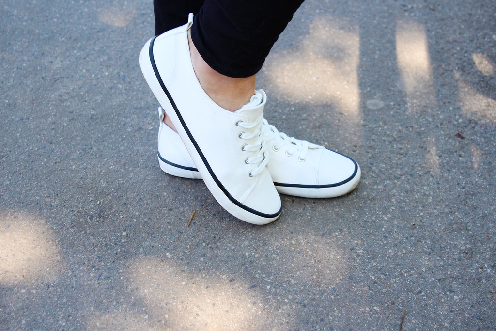 white-H&M-sneakers