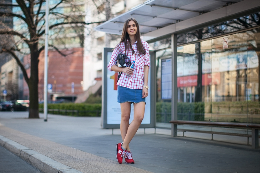 fashion_blog_casual_outfit_checked_shirt_denim_skirt_street_style_streetstyle_blogger_girl_wearing4