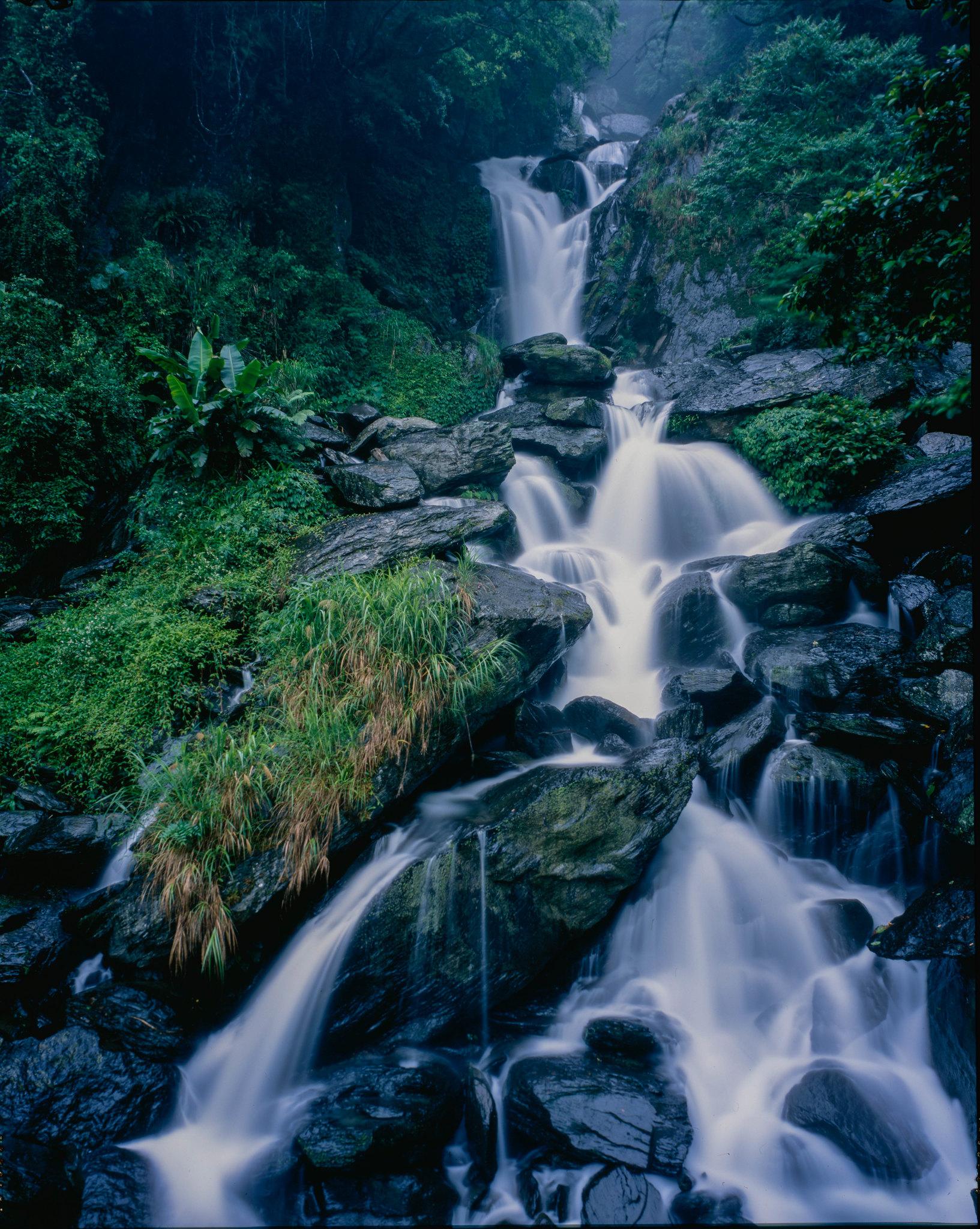 五重溪瀑布  by Linhof 45機