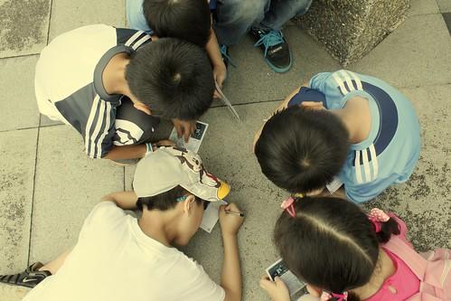 小朋友們用剛學會的注音與國字,許下對海洋的承諾