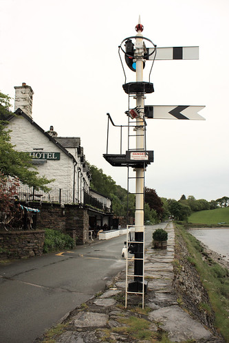 Old signal at Penmaenpool