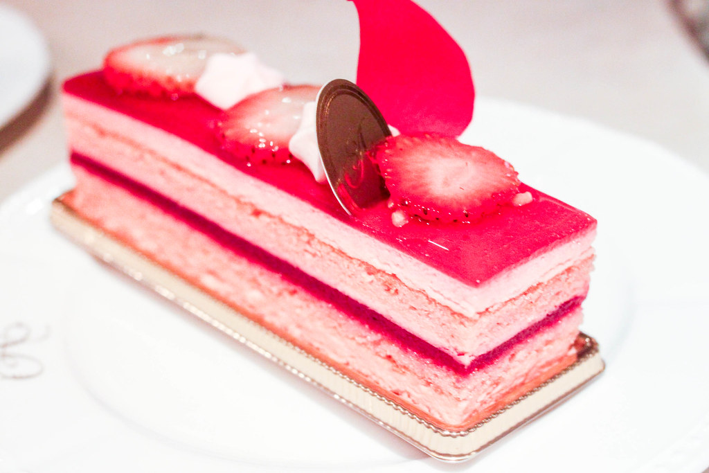 Chinese Mousse Cake Strawberry