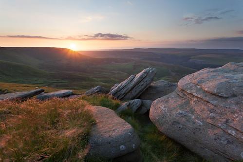 sunset summer mountain june nationalpark rocks derbyshire hills peaks goldenhour warmlight moorland summersolstice highpeak kinderscout 2014 canon1740l peaksdistrict sealedge paulnewcombephotography peakdistrictphotgraphy