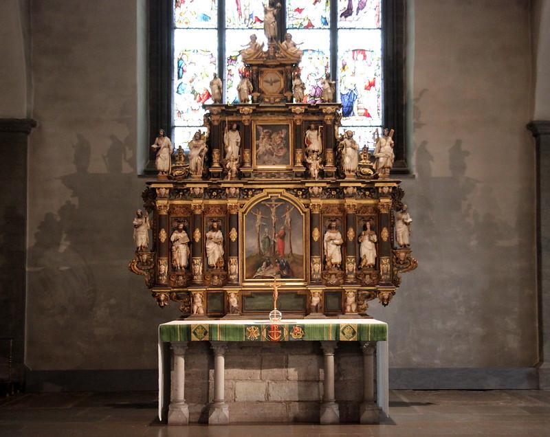 152 av 365 - Altare