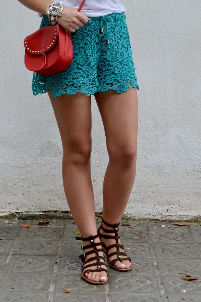 Cómo combinar tus shorts de guipur