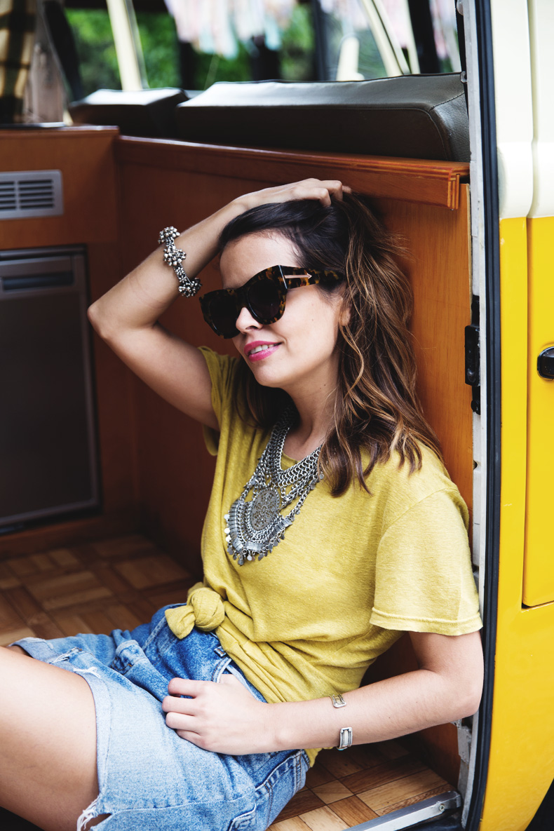 LidL_Ice_Cream-Levis_Vintage_Skirt-Yellow_Top-Espadrilles-Outfit-14