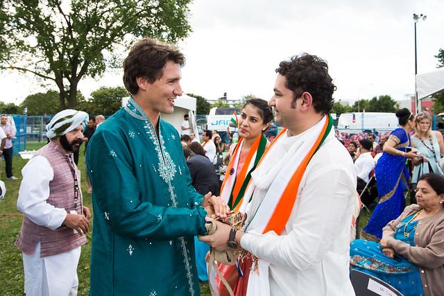 Justin célèbre la fête de l'indépendance de l'Inde dans sa circonscription. 16 août 2014.