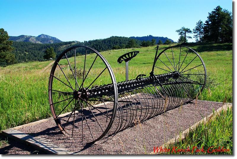 早期農具Hay Rake (摟草機)