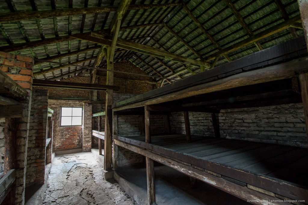 Auschwitz II–Birkenau-12.jpg